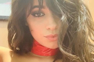 Watch Camila Cabello Completely Fangirl Over Game of Thrones' Emilia Clarke
