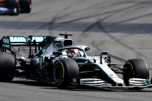 Hamilton wins Mexican Grand Prix but must wait for title