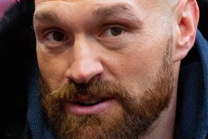 Tyson Fury defeats Strowman in WWE debut