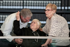 Holocaust survivors meet their saviour 75 years later