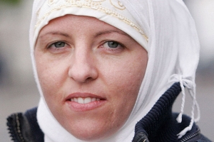 Isil bride Smith will be questioned by Turks before she is allowed to fly home