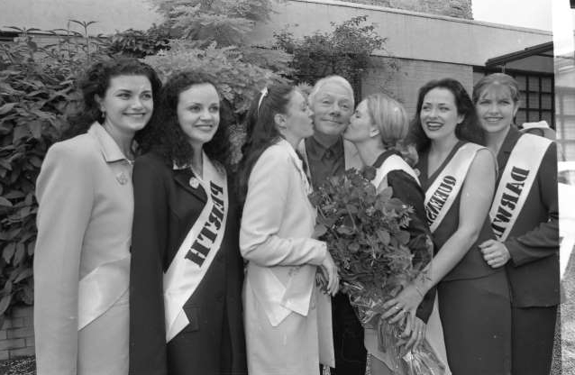 Slide 13 of 26: Rose of Tralee Contestants with Gay Byrne at a Guinness Reception in the Guinness Storehouse, St James's Gate Brewery, Dublin, circa August 1997 (Part of the Independent Newspapers Ireland/NLI Collection).