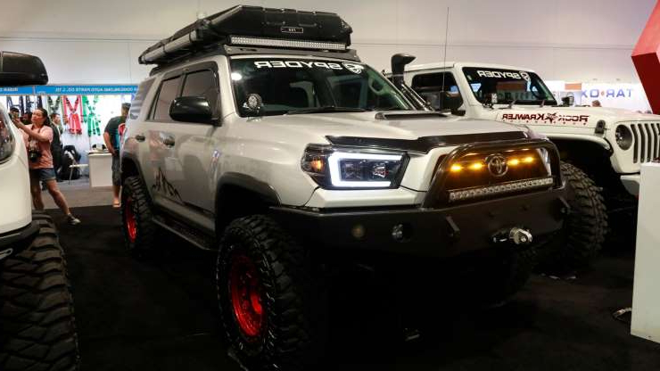 Slide 21 of 649: Trucks-of-SEMA-2019-25.jpg