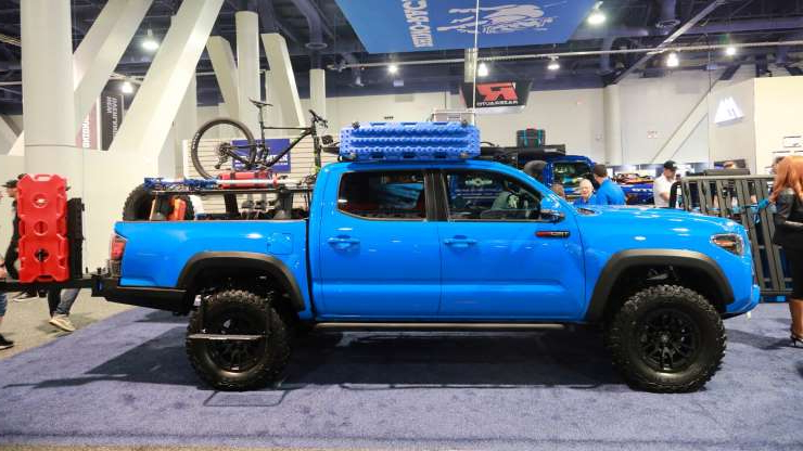 Slide 8 of 649: Trucks-of-SEMA-2019-12.jpg