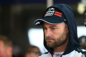 Van Gisbergen to keep up Supercars fight