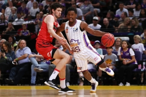 Didi 'bombs' Kings to NBL win over Perth