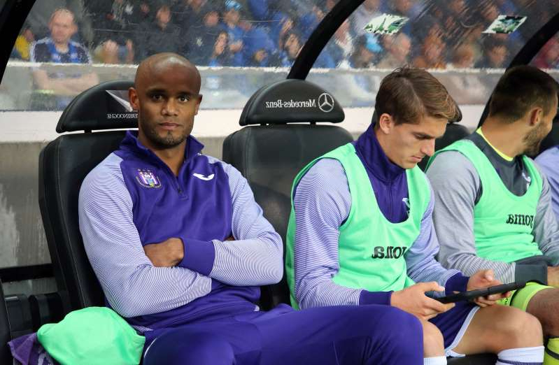 BRUGGE, BELGIUM - SEPTEMBER 22: Sieben Dewaele of Anderlecht and Vincent Kompany of Anderlecht during the Jupiler Pro League match between Club Brugge KV and RSC Anderlecht at Jan Breydel Stadium on September 22, 2019 in Brugge, Belgium. (Photo by Vincent Van Doornick/Isosport/MB Media/Getty Images)
