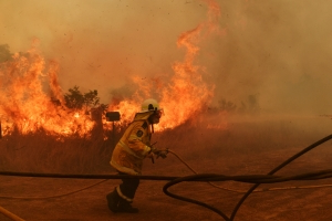 Qld fire threat to worsen by weekend