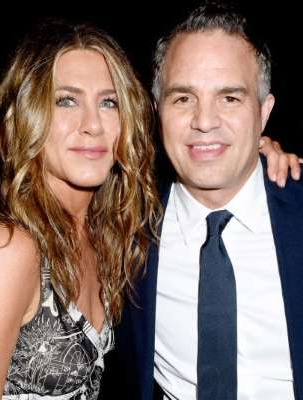 Mark Ruffalo and Jennifer Aniston attend the SAG-AFTRA Foundation's 4th Annual Patron of the Artists Awards at Wallis Annenberg Center for the Performing Arts on November 07, 2019 in Beverly Hills, California.