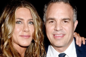 Mark Ruffalo Wants to Set Up Jennifer Aniston on a Date