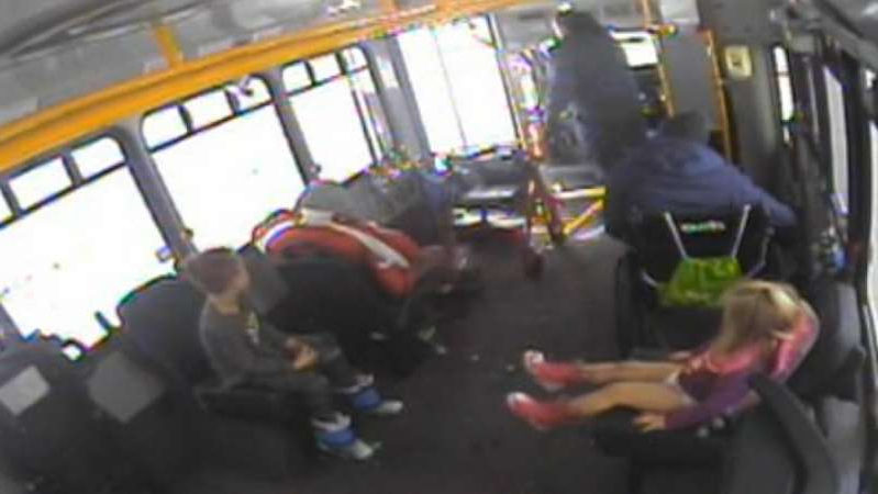 Raw video: A cold-weather rescue was caught on camera when a Metro Transit driver rushed to save two very under-dressed children in Waukesha, Wisconsin.