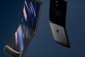 Motorola took its time creating a foldable phone that wouldn't break like the early Samsung Galaxy Fold