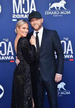 Slide 91 of 117: Country music singer Cole Swindell and wrestler Barbie Blank confirmed that they were dating with a red carpet debut at the 2019 ACM Awards in Las Vegas in April. Two months later, they parted ways.