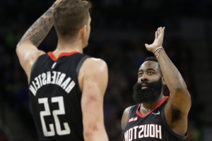 James Harden scores 49 points as Rockets top Timberwolves for 7th straight win