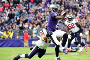 Lamar Jackson shines, Deshaun Watson flails in Ravens' rout of Texans