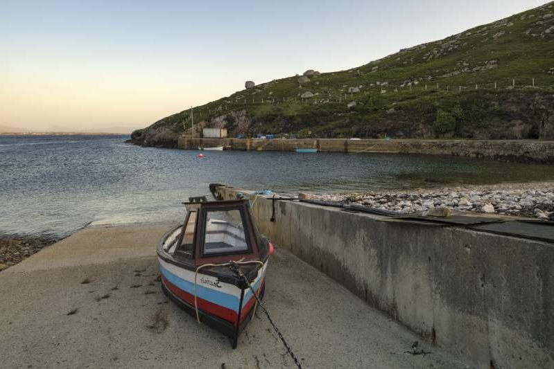 Stock image - Poll An Mhadaidh, Arranmore Island, County Donegal
