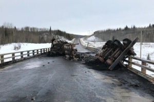 Truck carrying 40K litres of oil crashes, burns near Dawson Creek
