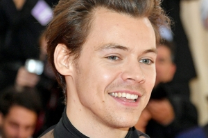 Whoa! Harry Styles Throws Major Shade at Zayn Malik on 'SNL'