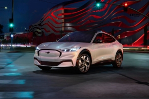 Elon Musk said he's excited about Ford's $43,895 Mustang Mach-E electric SUV — here's how it will stack up against Tesla's $39,000 Model Y
