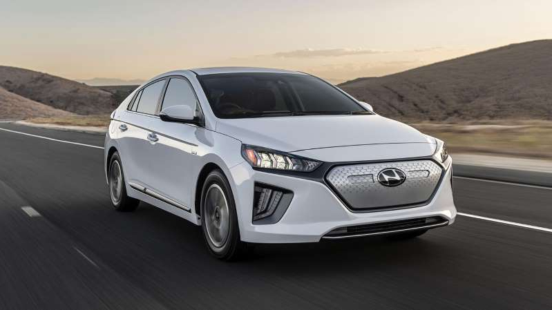 a car parked on the side of a road: 2020 Hyundai Ioniq Electric 16