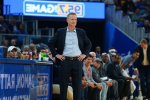 Steve Kerr Gives Encouraging Update on Draymond Green's Elbow Injury