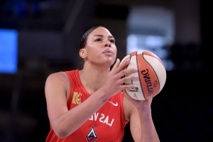 Cambage needs to cope with refs: Jackson