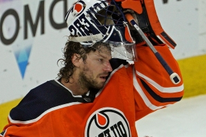 Struggling Mike Smith gets the start, but Edmonton Oilers still have two solid choices in net