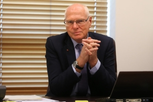 Jim Molan sworn in as NSW Liberal Party senator