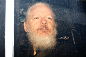 Julian Assange 'could die in jail without urgent care' - doctors
