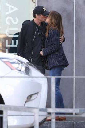 Slide 126 of 132: Supermodel Cindy Crawford and husband Rande Gerber shared a sweet smooch while leaving lunch in Malibu on Jan. 9.