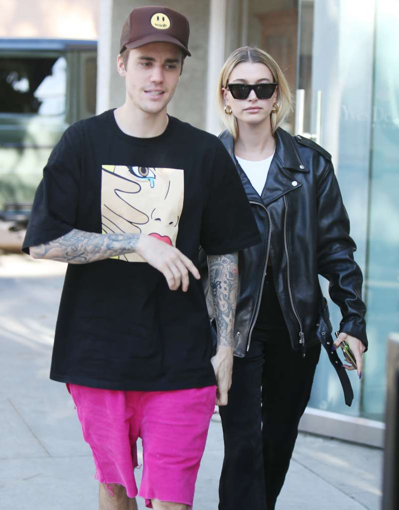 Hailey Baldwin, Justin Bieber are posing for a picture: Justin Bieber and Hailey Rhode Bieber are spotted out and about in Los Angeles on Nov. 23, 2019.