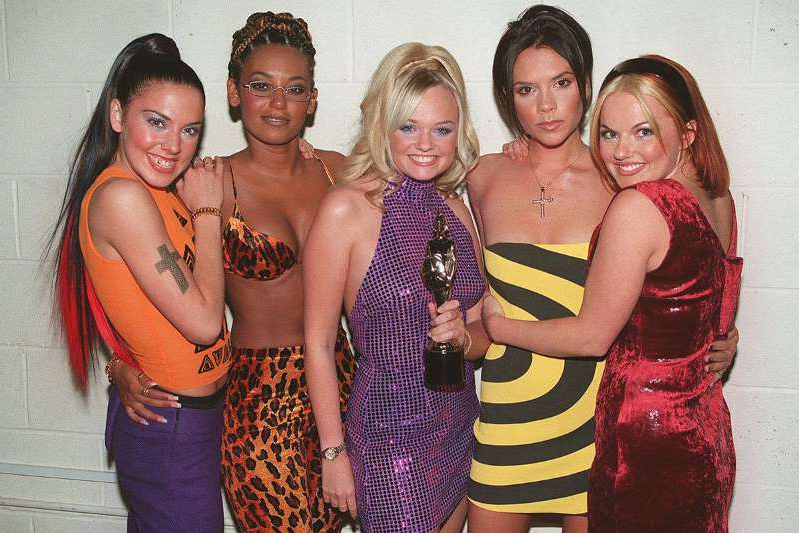 Geri Halliwell, Victoria Beckham, Emma Bunton, Melanie Brown, Melanie Chisholm posing for the camera: The Spice Girls