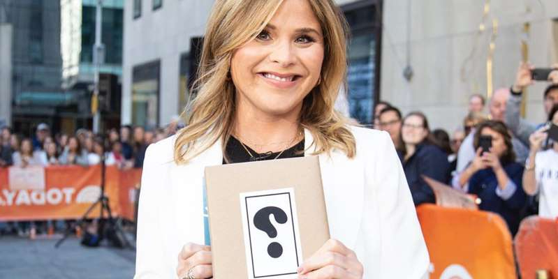 Jenna Bush holding a book: TODAY, product courtesy of merchant site