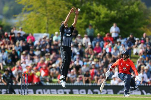 Slide 7 of 50: NELSON, NEW ZEALAND - NOVEMBER 05:Tim Southee grabs the high ball during game three of the Twenty20 International series between New Zealand and England at Saxton Field on November 05, 2019 in Nelson, New Zealand. (Photo by Evan Barnes/Getty Images)