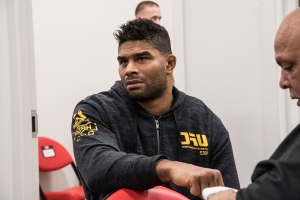 Alistair Overeem desabafa sobre morte de enteada de atleta do Ultimate: 'Enjoador'