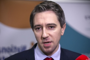 Wording was 'a bit off, to put it midly' on hospital posters for cash prizes, says Harris