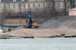 Site contaminated with uranium partially collapses into Detroit River