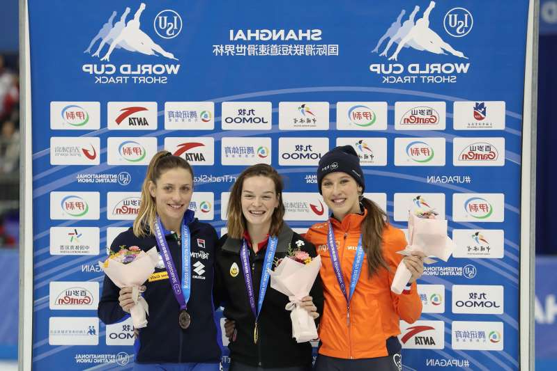 SHANGHAI, CHINA - DECEMBER 07: (L-R) Silver medalist Suzanne Schulting of the Netherlands, Gold medalist Kim Boutin of Canada and bronze medalist Martina Valcepina of Italy poses during the medal ceremony with for the Ladies' 500m Short Track Speed Skating at the Oriental Sports Center on December 07, 2019 in Shanghai, China. (Photo by Lintao Zhang - International Skating Union/International Skating Union via Getty Images)