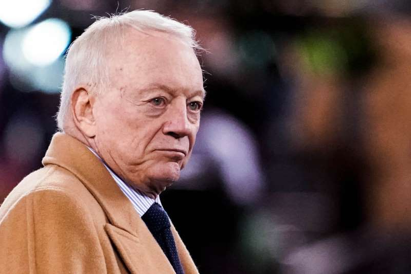 Jerry Jones wearing a suit and tie: Nov 4, 2019; East Rutherford, NJ, USA;   Cowboys owner Jerry Jones