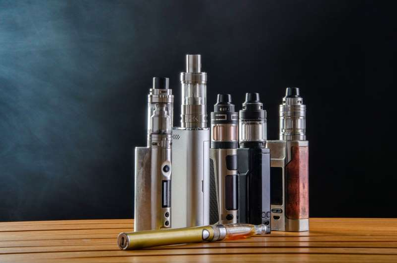 U.S. vaping-related deaths rise to 52, hospitalizations to 2,409