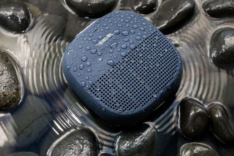 a close up of a metal pan: The SoundLink Micro is $30 off. Sarah Tew/CNET