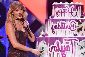 Taylor Swift Gets Surprised by Elvis Duran at Jingle Ball with a Massive Cake for Her Birthday