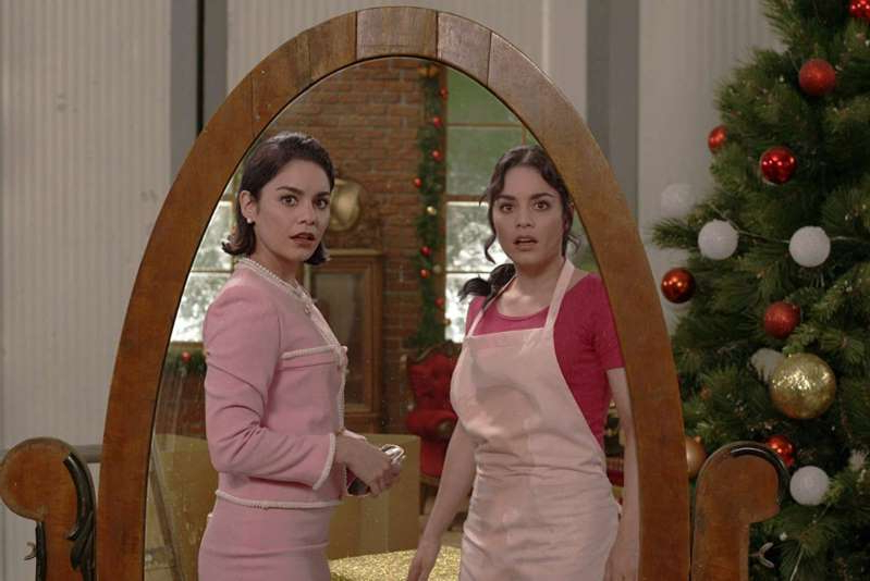 Vanessa Hudgens, Vanessa Hudgens are posing for a picture: Vanessa Hudgens in The Princess Switch (2018)