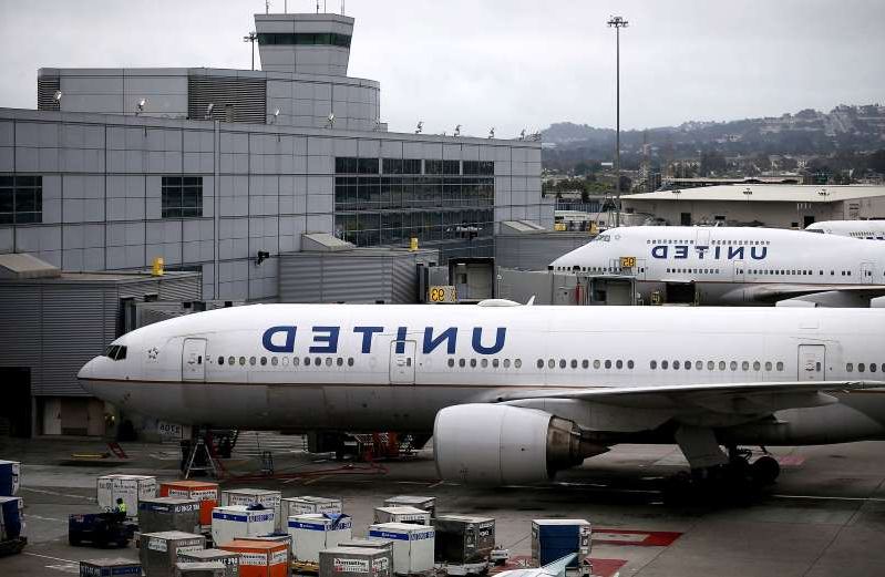 Grounded United Airlines planes at San Francisco International Airport, July 8, 2015.