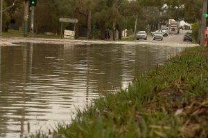 Homes flooded as water main bursts on Melbourne street