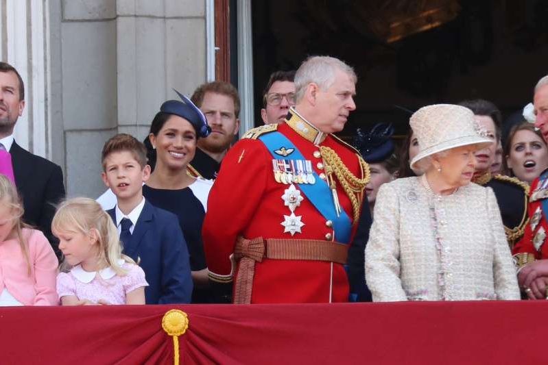 LONDON, ENGLAND - JUNE 08: Queen Elizabeth II, Meghan, Duchess of Sussex, Prince Harry, Duke of Sussex on the balcony of Buckingham Palace during Trooping The Colour, the Queen's annual birthday parade, on June 08, 2019 in London, England. (Photo by Neil Mockford/GC Images)