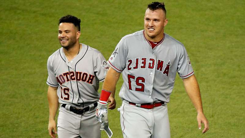 Mike Trout, Jose Altuve are posing for a picture