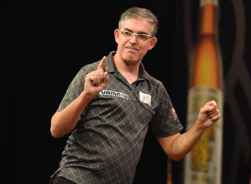 Canada's Jeff Smith wins way back to PDC pro darts tour via qualifying school
