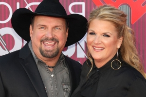 Twitter Thanks Garth Brooks and Trisha Yearwood for Bringing Much-Needed Joy With Live TV Special