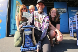 Pro bass angler Aaron Martens undergoes brain surgery